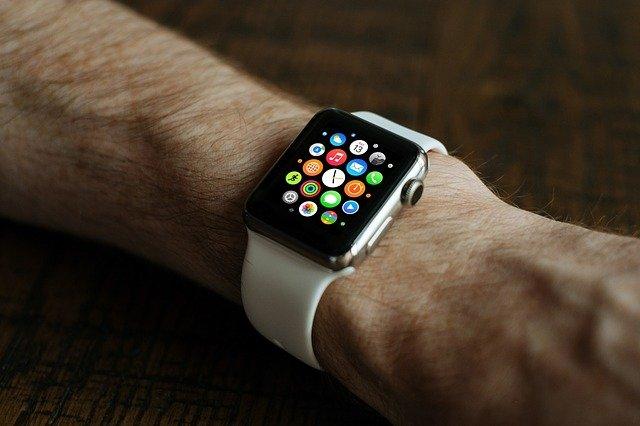 Zegarki, które przydadzą się w podróży